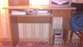 Продам компьютерный стол и телевизор б/у