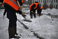 Уборка снега с территории и крыш