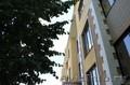 Двух комнатная квартира напротив школы за смешные деньги.